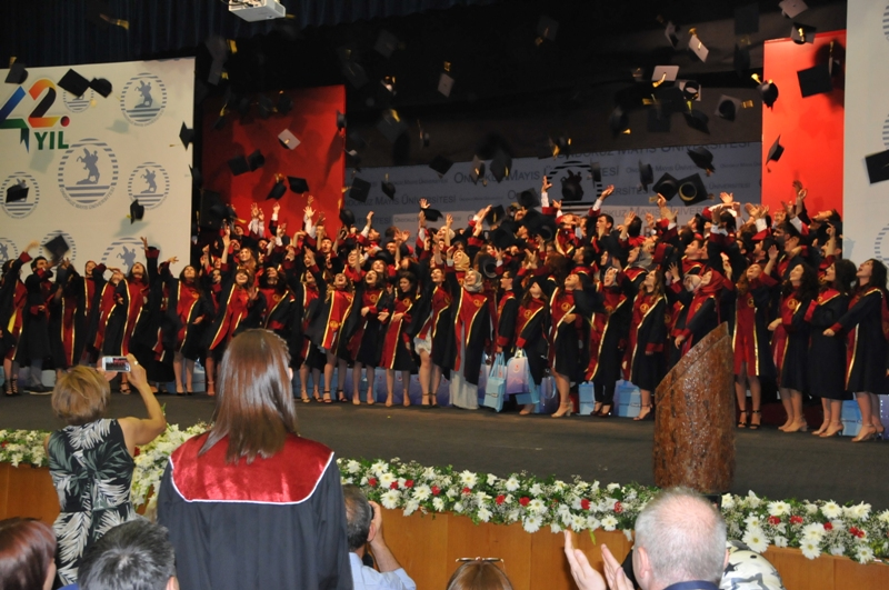http://www.omu.edu.tr/sites/default/files/files/125_dentists_graduated_from_omu_/dsc_0859.jpg