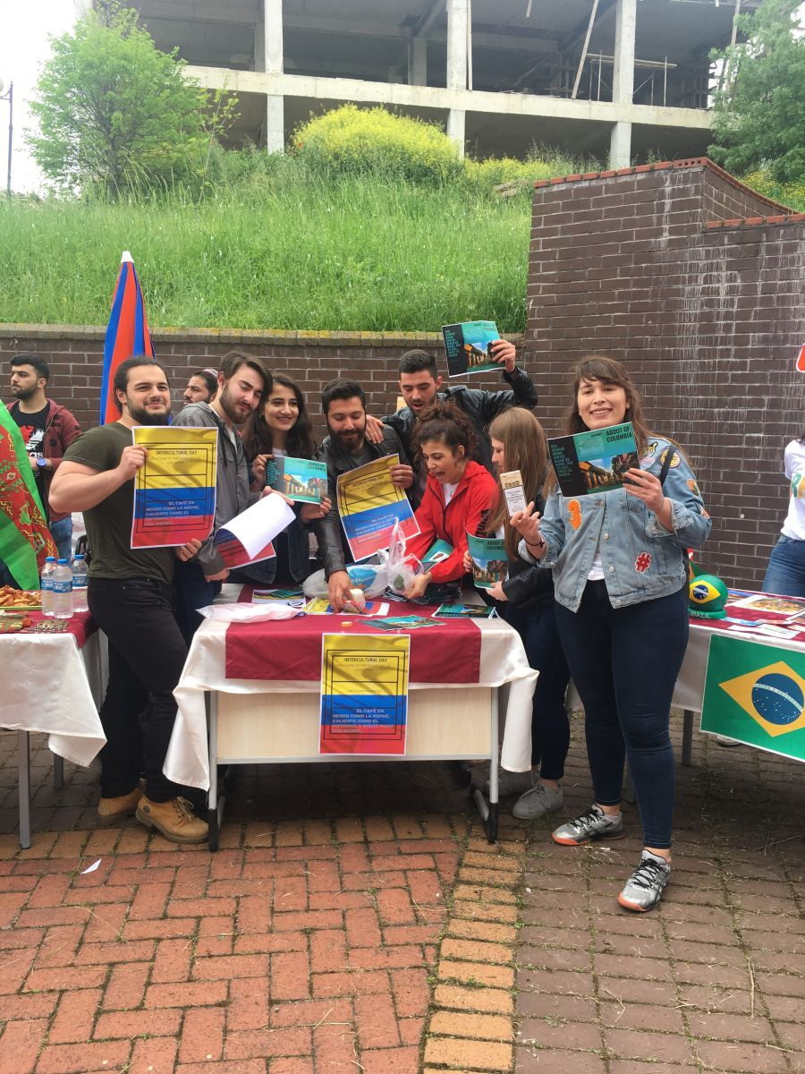 http://www.omu.edu.tr/sites/default/files/files/3._intercultural_day_celebrated/iphone_6s_photos_2564.jpg