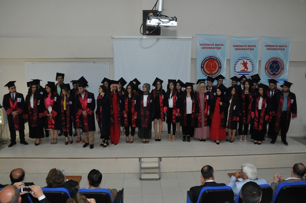 http://www.omu.edu.tr/sites/default/files/files/adalet_carsamba_ve_terme_myolarda_mezuniyet_sevinci/dsc_0273.jpg