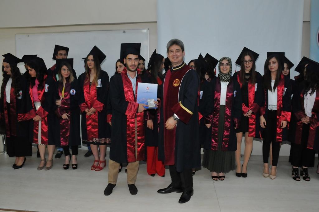 http://www.omu.edu.tr/sites/default/files/files/adalet_carsamba_ve_terme_myolarda_mezuniyet_sevinci/dsc_0274.jpg