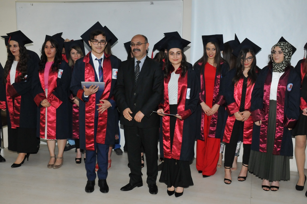 http://www.omu.edu.tr/sites/default/files/files/adalet_carsamba_ve_terme_myolarda_mezuniyet_sevinci/dsc_0282.jpg