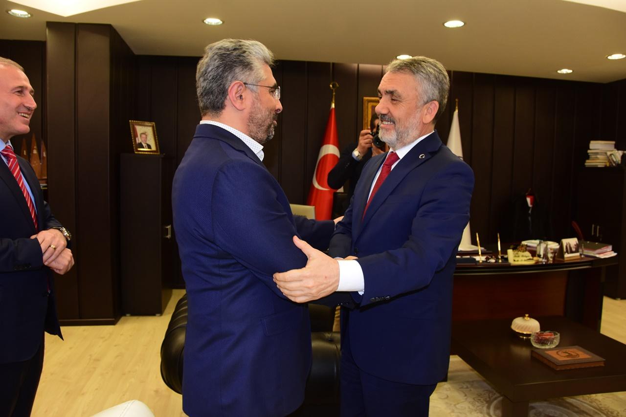 http://www.omu.edu.tr/sites/default/files/files/ak_parti_il_teskilati039ndan_rektor_bilgice_nezaket_ziyareti/dsc_2051.jpg