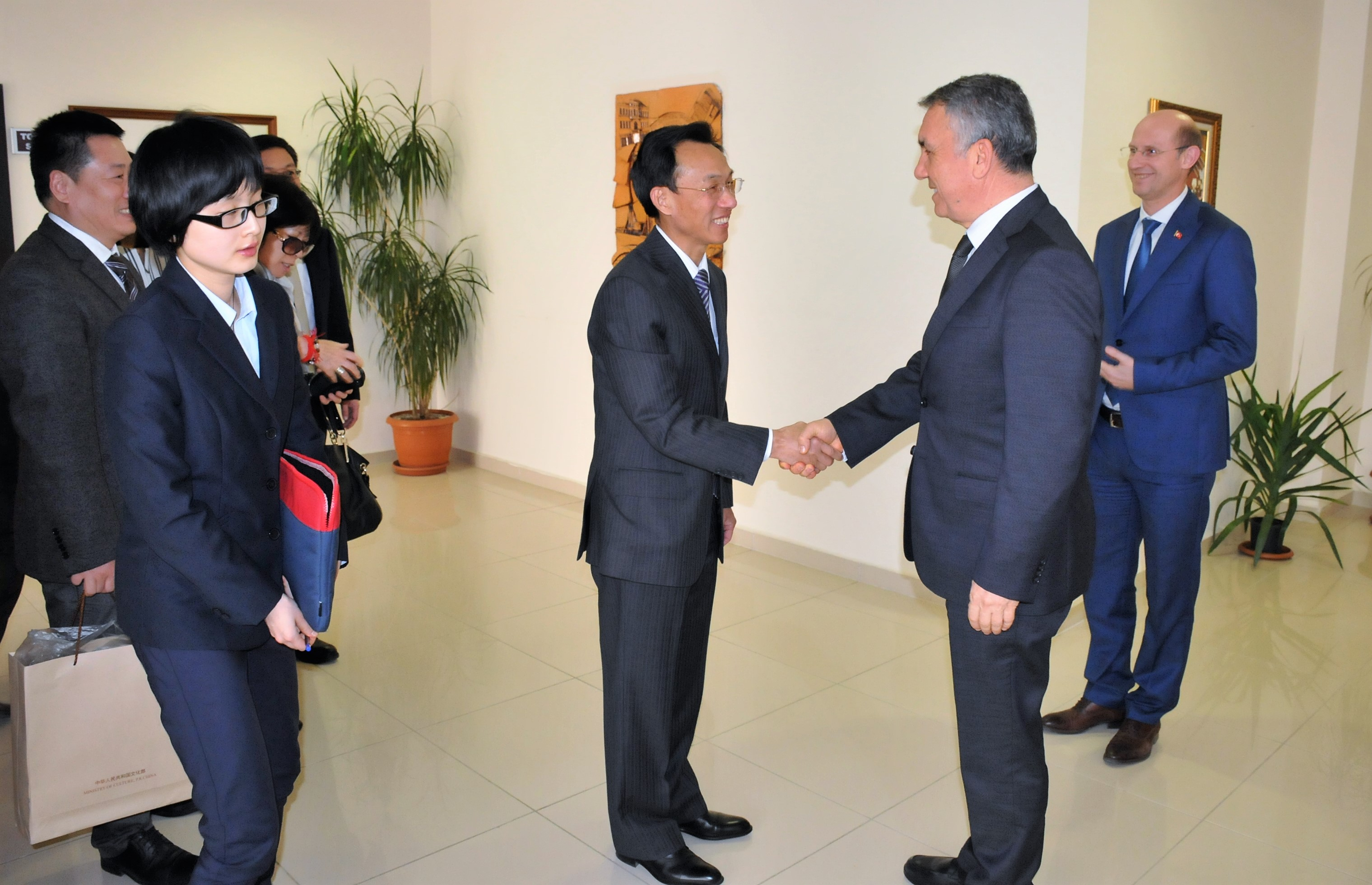 http://www.omu.edu.tr/sites/default/files/files/ambassador_of_the_peoples_republic_of_china_visits_rector_bilgic/dsc_0004.jpg