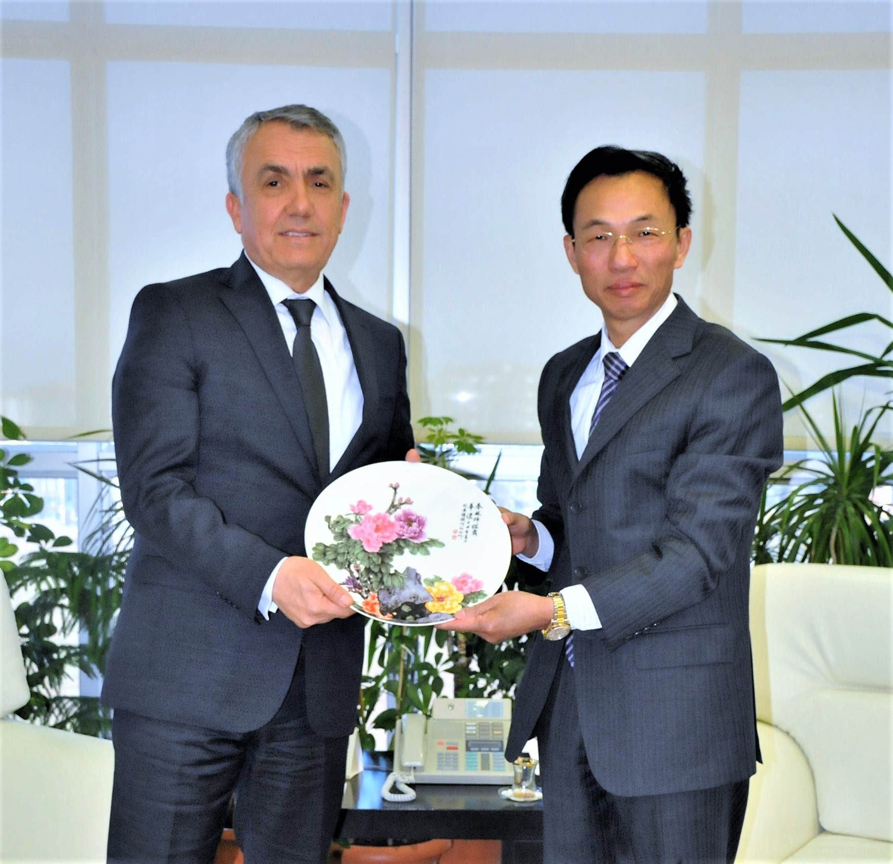 http://www.omu.edu.tr/sites/default/files/files/ambassador_of_the_peoples_republic_of_china_visits_rector_bilgic/dsc_0023.jpg