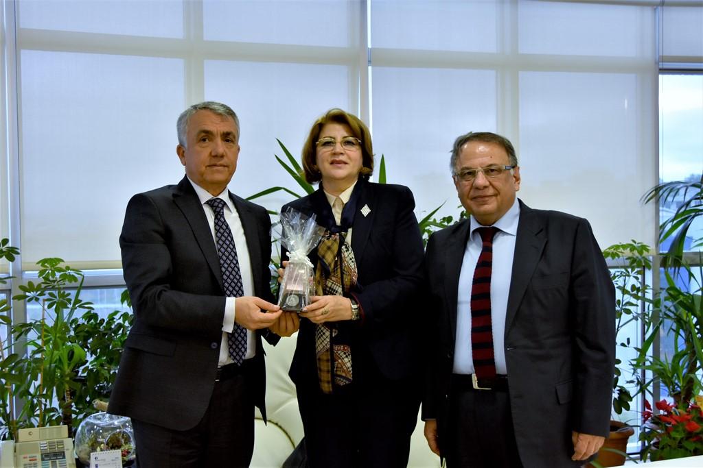 http://www.omu.edu.tr/sites/default/files/files/azerbaycan_buyukelciligi_egitim_mustesari_rektor_bilgici_ziyaret_etti/dsc_8354.jpg