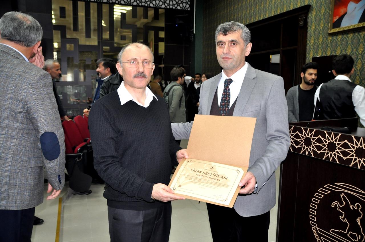 http://www.omu.edu.tr/sites/default/files/files/canakkale_sehitleri_konser_programiyla_anildi/omu_ilahiyat_tsm_konser_17.jpg