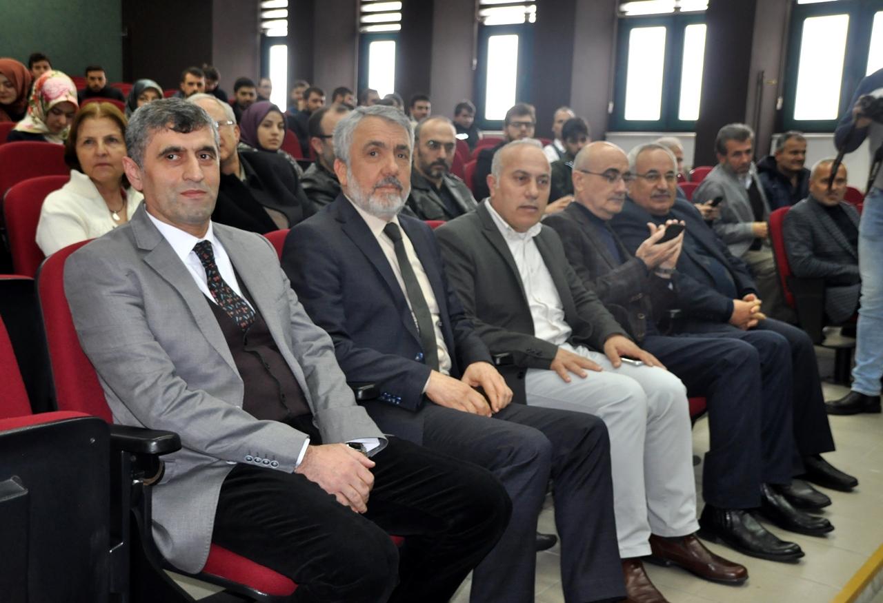 http://www.omu.edu.tr/sites/default/files/files/canakkale_sehitleri_konser_programiyla_anildi/omu_ilahiyat_tsm_konser_18.jpg