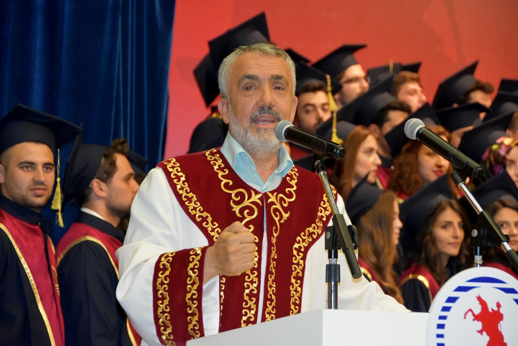 http://www.omu.edu.tr/sites/default/files/files/dis_hekimligi_fakultesi_21._donem_mezunlarini_verdi/dsc_3451.jpg