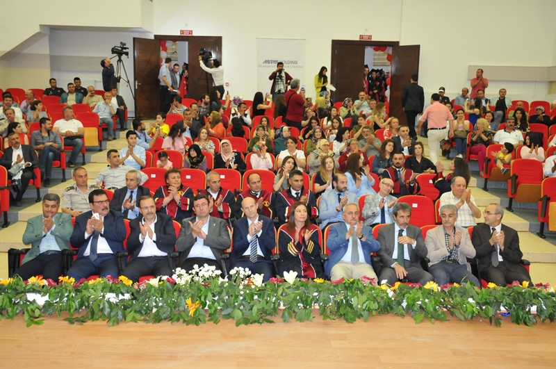 http://www.omu.edu.tr/sites/default/files/files/faculty_of_tourisms_first_graduates/dsc_0091.jpg