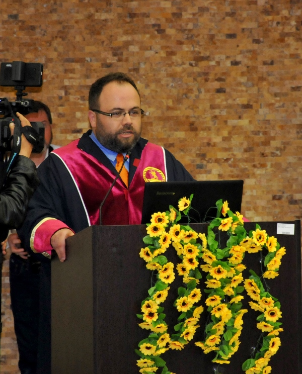 http://www.omu.edu.tr/sites/default/files/files/faculty_of_tourisms_first_graduates/dsc_0118.jpg