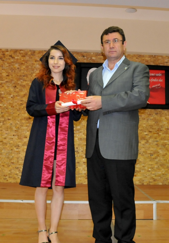 http://www.omu.edu.tr/sites/default/files/files/faculty_of_tourisms_first_graduates/dsc_0163.jpg