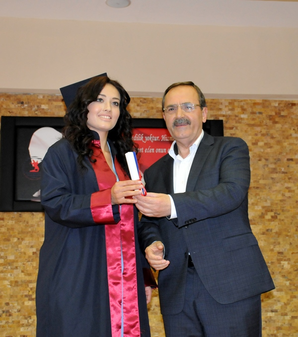 http://www.omu.edu.tr/sites/default/files/files/faculty_of_tourisms_first_graduates/dsc_0177.jpg