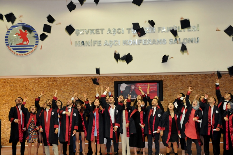 http://www.omu.edu.tr/sites/default/files/files/faculty_of_tourisms_first_graduates/dsc_0214.jpg