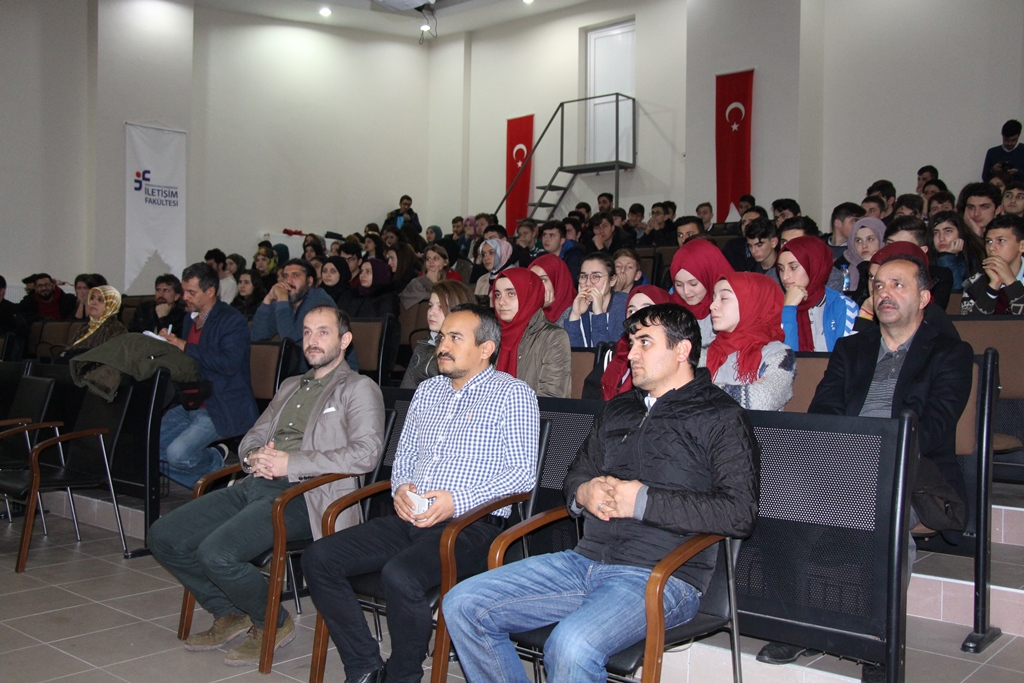 http://www.omu.edu.tr/sites/default/files/files/gazetecilik_ogrencileri_medya_okuryazarligini_anlatti/img_5674.jpg