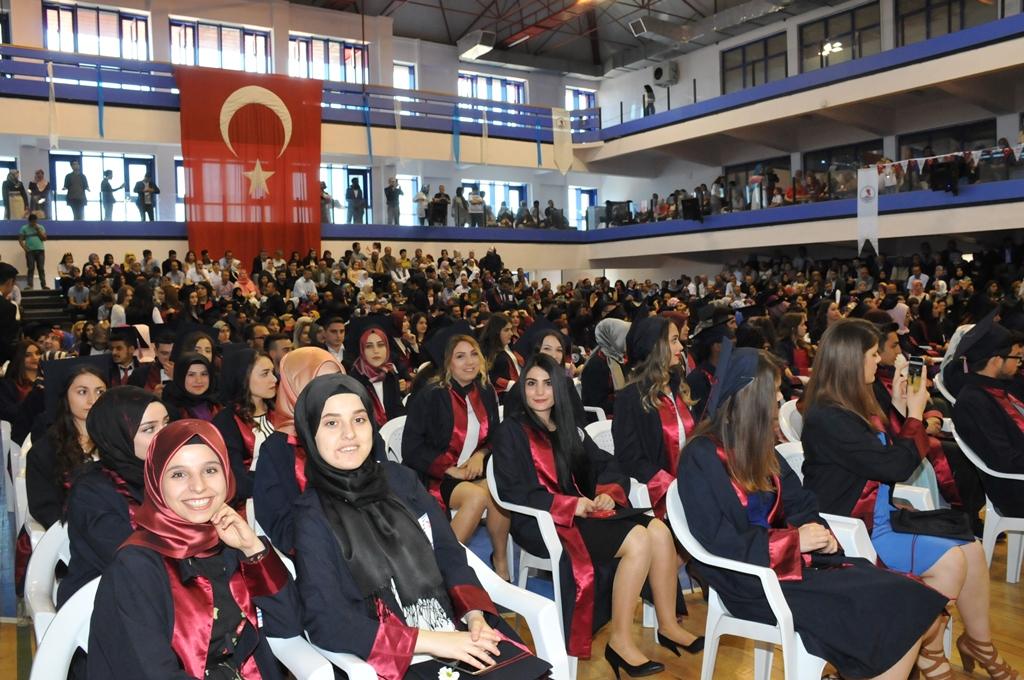 http://www.omu.edu.tr/sites/default/files/files/gelecegin_saglikcilari_mezun_oldu/dsc_0234.jpg