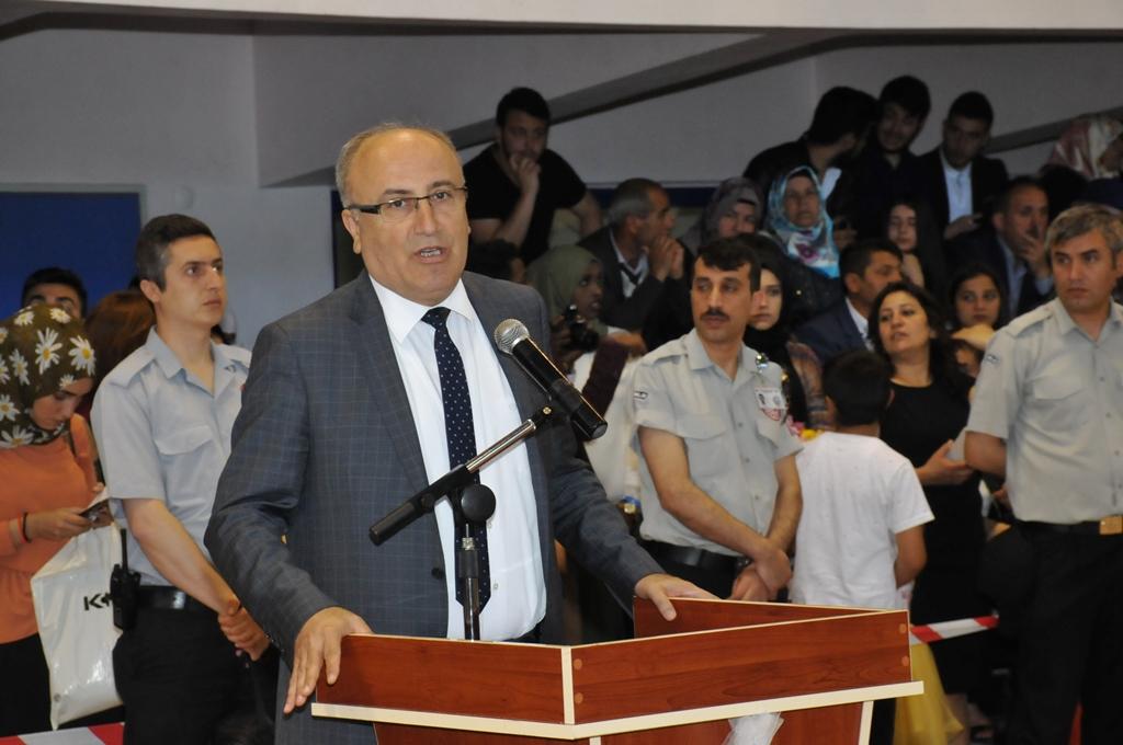 http://www.omu.edu.tr/sites/default/files/files/gelecegin_saglikcilari_mezun_oldu/dsc_0242.jpg