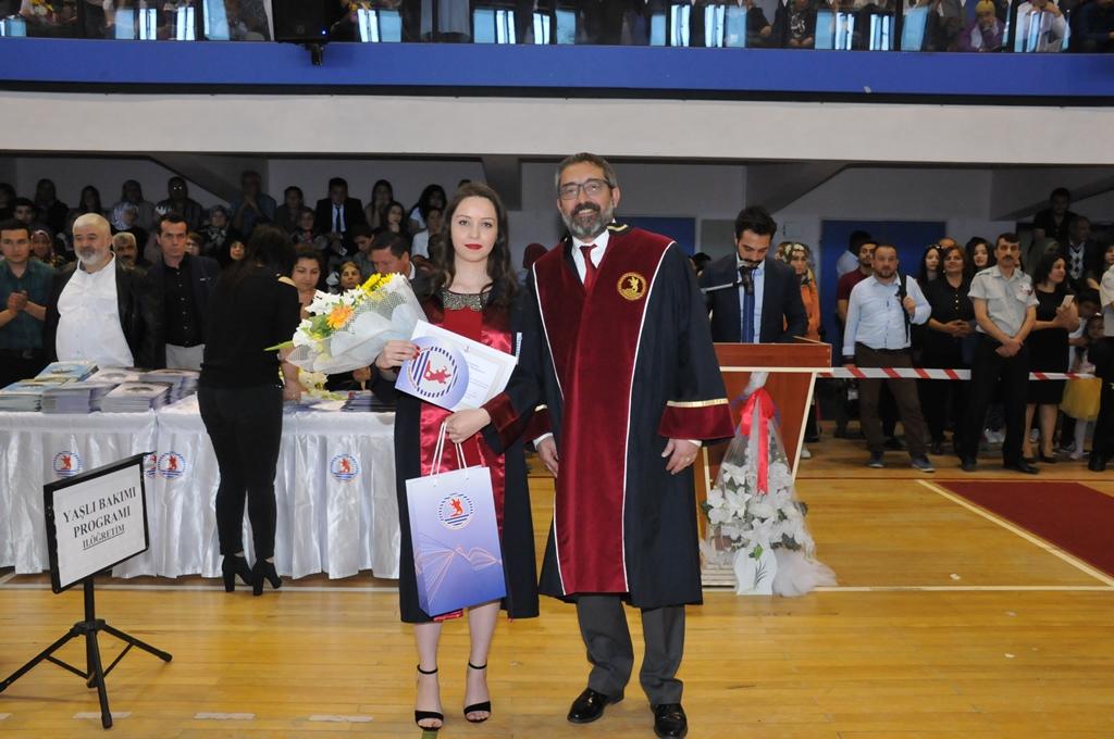 http://www.omu.edu.tr/sites/default/files/files/gelecegin_saglikcilari_mezun_oldu/dsc_0265.jpg