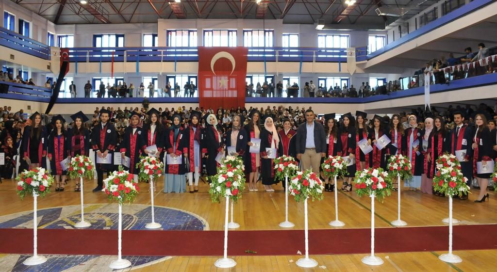http://www.omu.edu.tr/sites/default/files/files/gelecegin_saglikcilari_mezun_oldu/dsc_0285.jpg