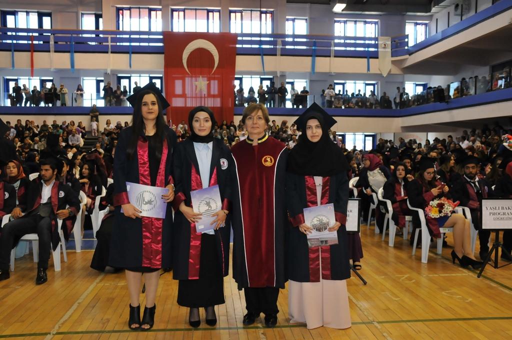 http://www.omu.edu.tr/sites/default/files/files/gelecegin_saglikcilari_mezun_oldu/dsc_0299.jpg