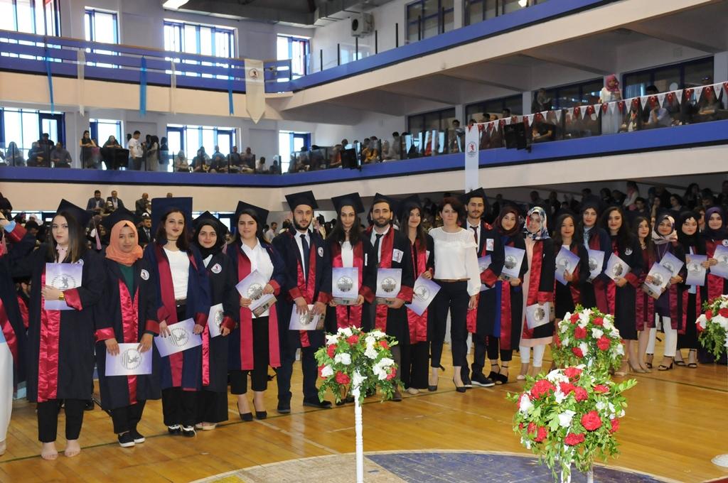 http://www.omu.edu.tr/sites/default/files/files/gelecegin_saglikcilari_mezun_oldu/dsc_0415.jpg