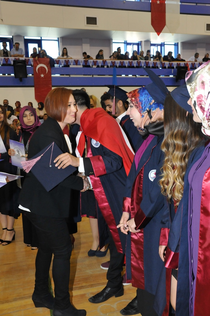 http://www.omu.edu.tr/sites/default/files/files/gelecegin_saglikcilari_mezun_oldu/dsc_0427.jpg