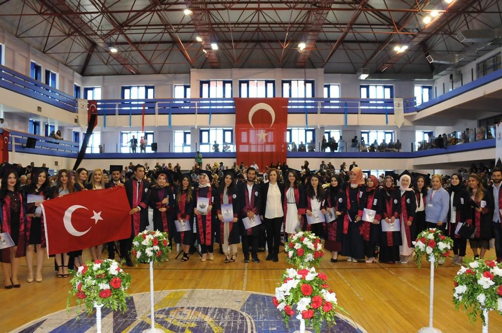 http://www.omu.edu.tr/sites/default/files/files/gelecegin_saglikcilari_mezun_oldu/dsc_0432.jpg