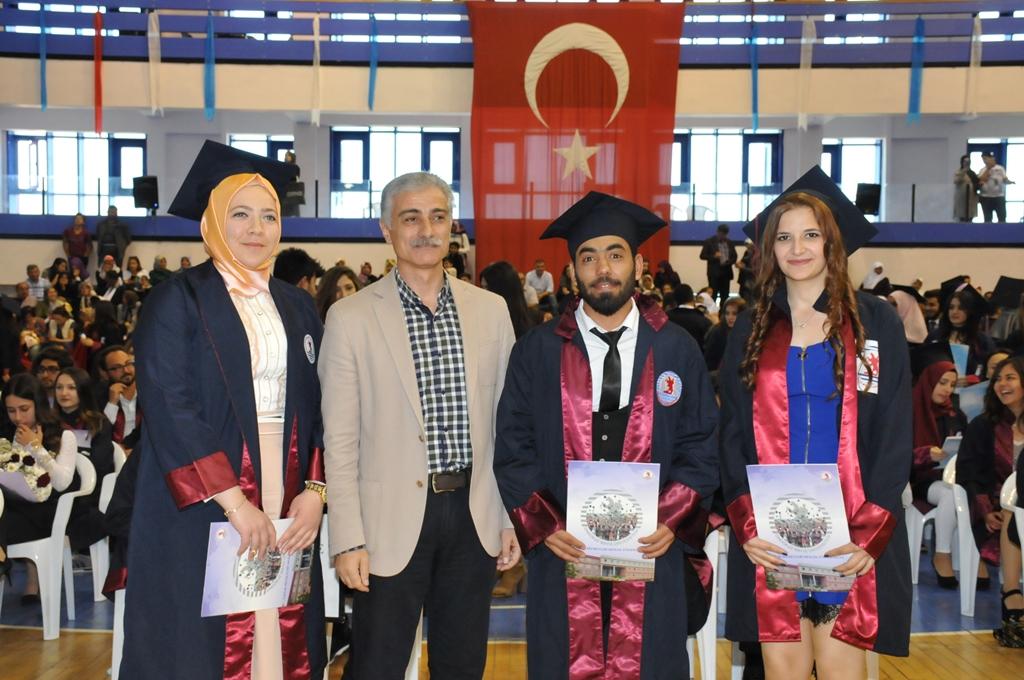http://www.omu.edu.tr/sites/default/files/files/gelecegin_saglikcilari_mezun_oldu/dsc_0485.jpg