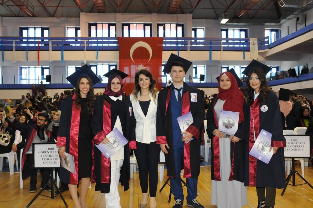 http://www.omu.edu.tr/sites/default/files/files/gelecegin_saglikcilari_mezun_oldu/dsc_0501.jpg