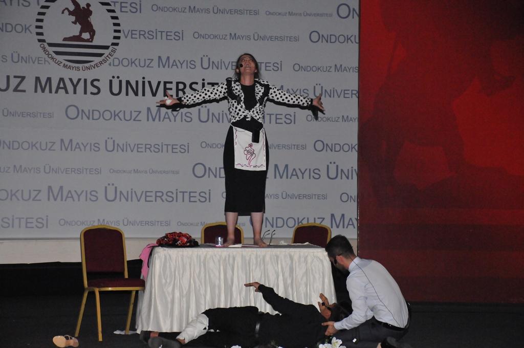 http://www.omu.edu.tr/sites/default/files/files/geleneksel_turkce_soleninde_keyifli_anlar/dsc_0128.jpg