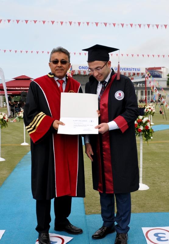http://www.omu.edu.tr/sites/default/files/files/genc_muhendisler_mezun_oldu/dsc_0044.jpg
