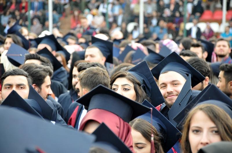 http://www.omu.edu.tr/sites/default/files/files/genc_muhendisler_mezun_oldu/dsc_0096.jpg