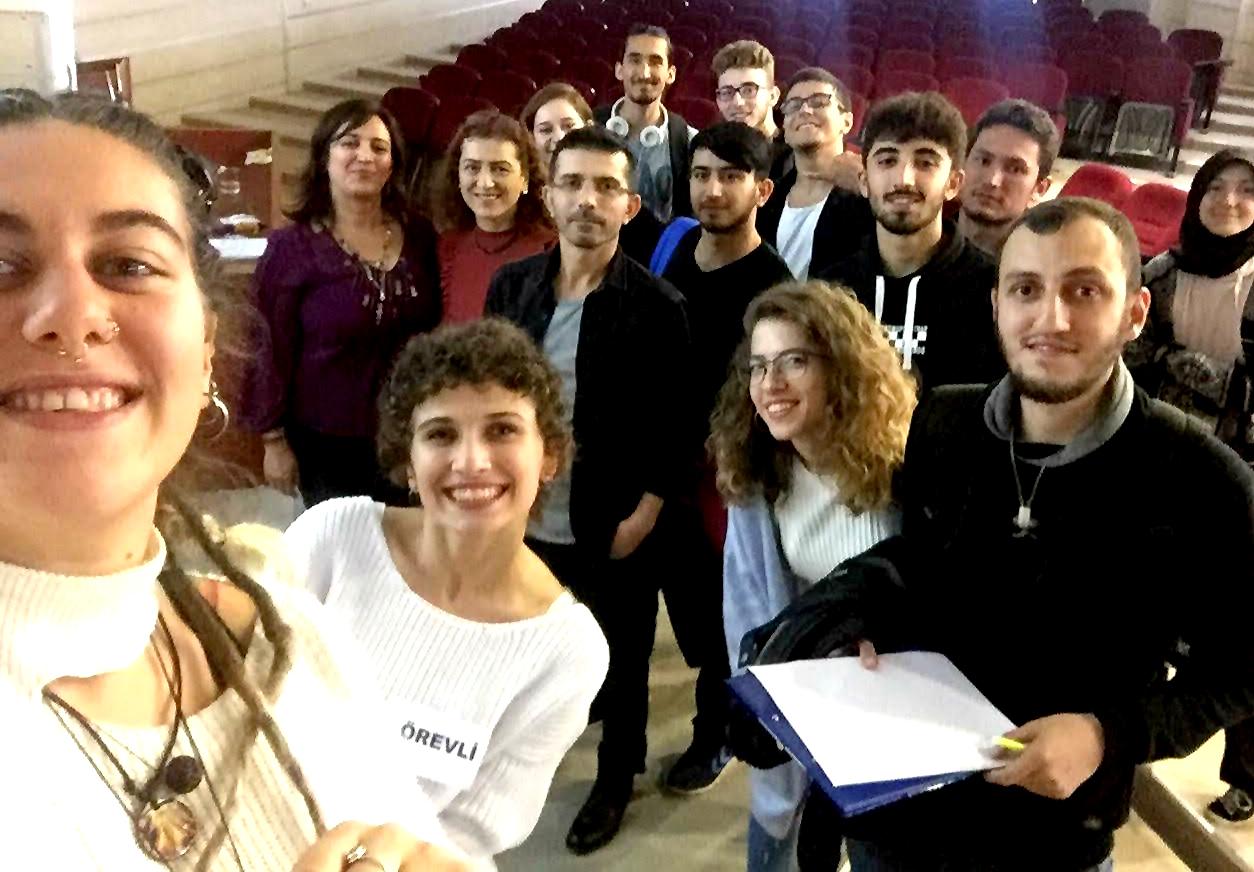 http://www.omu.edu.tr/sites/default/files/files/genclik_alaninda_yerel_ve_uluslararasi_firsatlar_etkinligine_yogun_ilgi/haber-foto_2.jpg