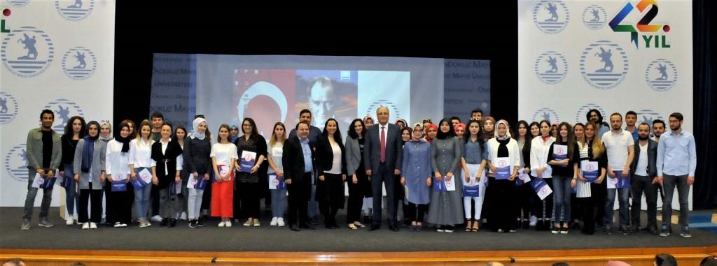 http://www.omu.edu.tr/sites/default/files/files/gonullu_ogrenciler_gorme_engellilere_ses_oldu/dsc_0188.jpg