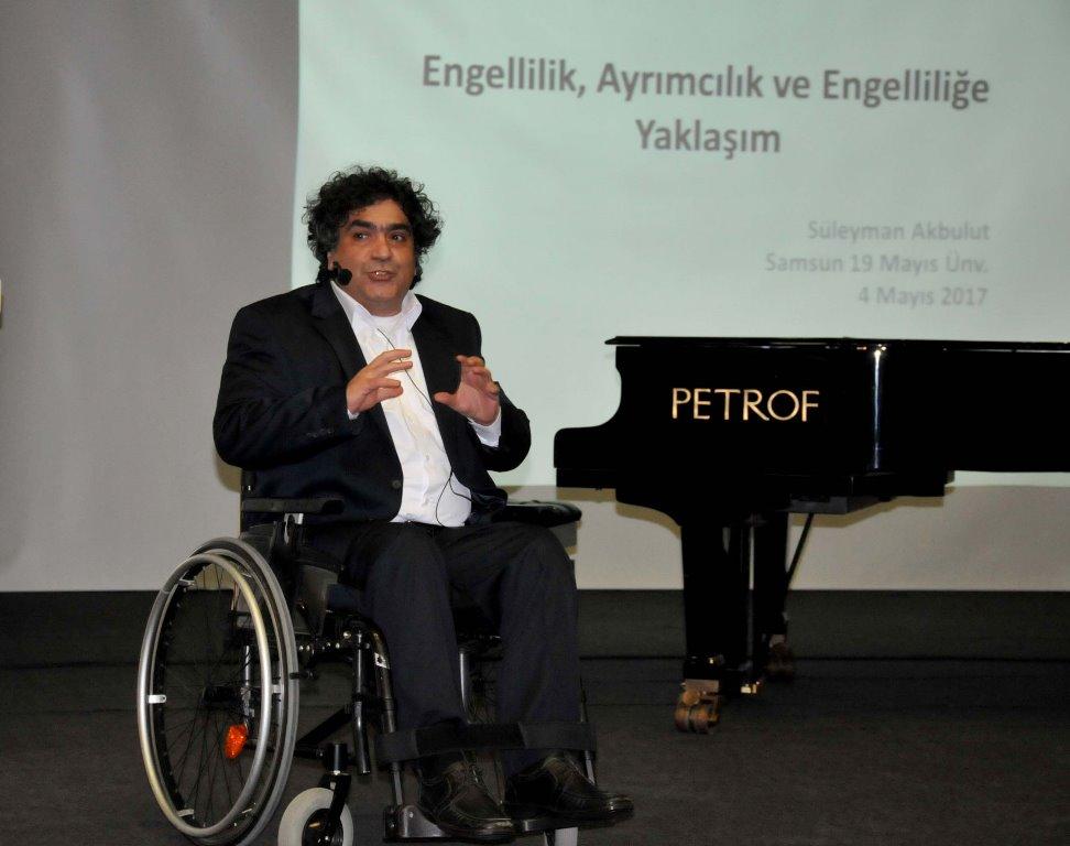 http://www.omu.edu.tr/sites/default/files/files/gonullu_ogrenciler_gorme_engellilere_ses_oldu/dsc_0195.jpg