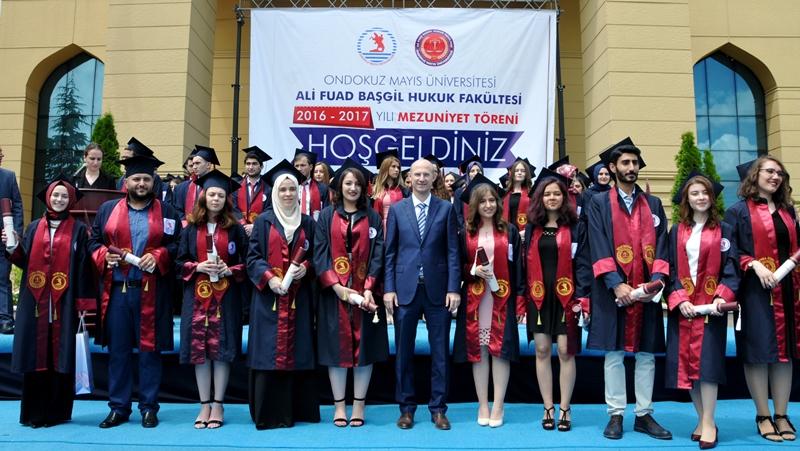 http://www.omu.edu.tr/sites/default/files/files/hukukcular_mezuniyetlerini_kutladi/dsc_0269.jpg