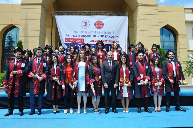 http://www.omu.edu.tr/sites/default/files/files/hukukcular_mezuniyetlerini_kutladi/dsc_0277.jpg