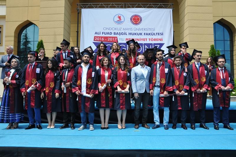 http://www.omu.edu.tr/sites/default/files/files/hukukcular_mezuniyetlerini_kutladi/dsc_0318.jpg