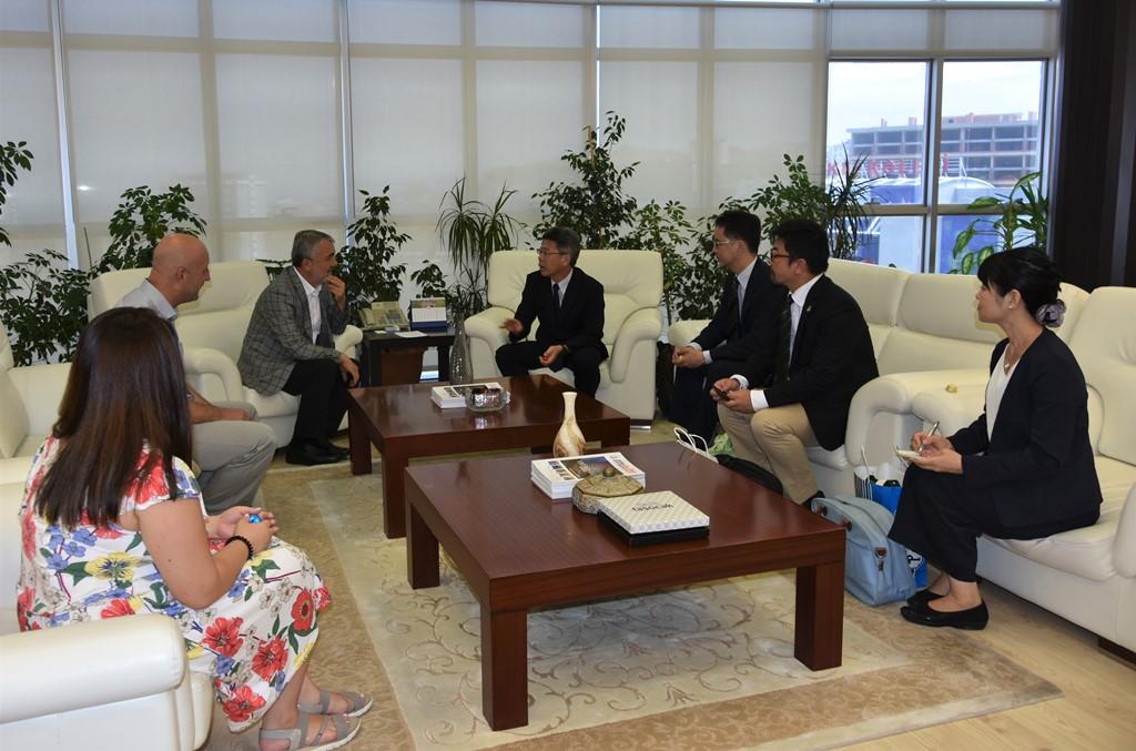 http://www.omu.edu.tr/sites/default/files/files/japon_akademisyenler_rektor_bilgic_ile_bulustu/dsc_4288.jpg
