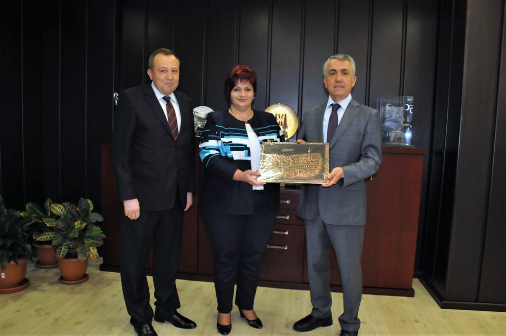 http://www.omu.edu.tr/sites/default/files/files/kosova_milletvekilinden_rektor_bilgice_ziyaret/dsc_0009.jpg