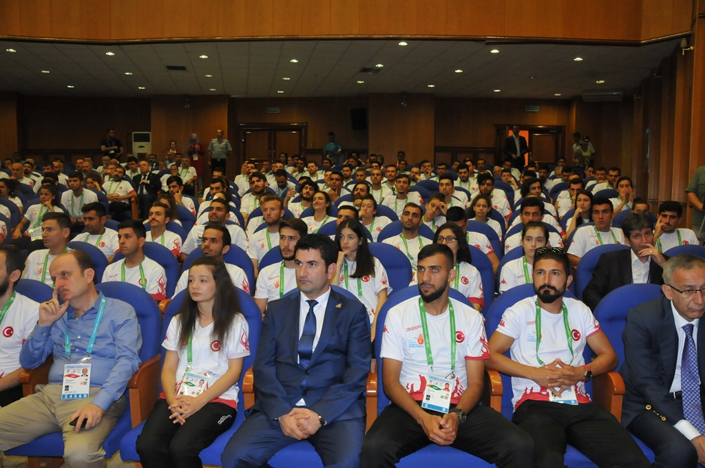 http://www.omu.edu.tr/sites/default/files/files/minister_cagatay_kilic_meets_with_deaf_athletes_at_omu/dsc_0005.jpg