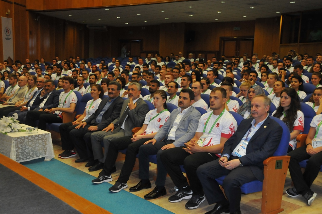 http://www.omu.edu.tr/sites/default/files/files/minister_cagatay_kilic_meets_with_deaf_athletes_at_omu/dsc_0011.jpg