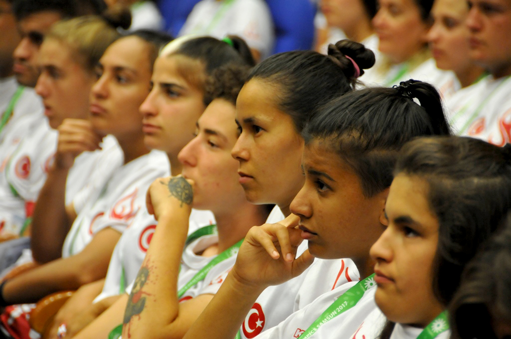 http://www.omu.edu.tr/sites/default/files/files/minister_cagatay_kilic_meets_with_deaf_athletes_at_omu/dsc_0016.jpg