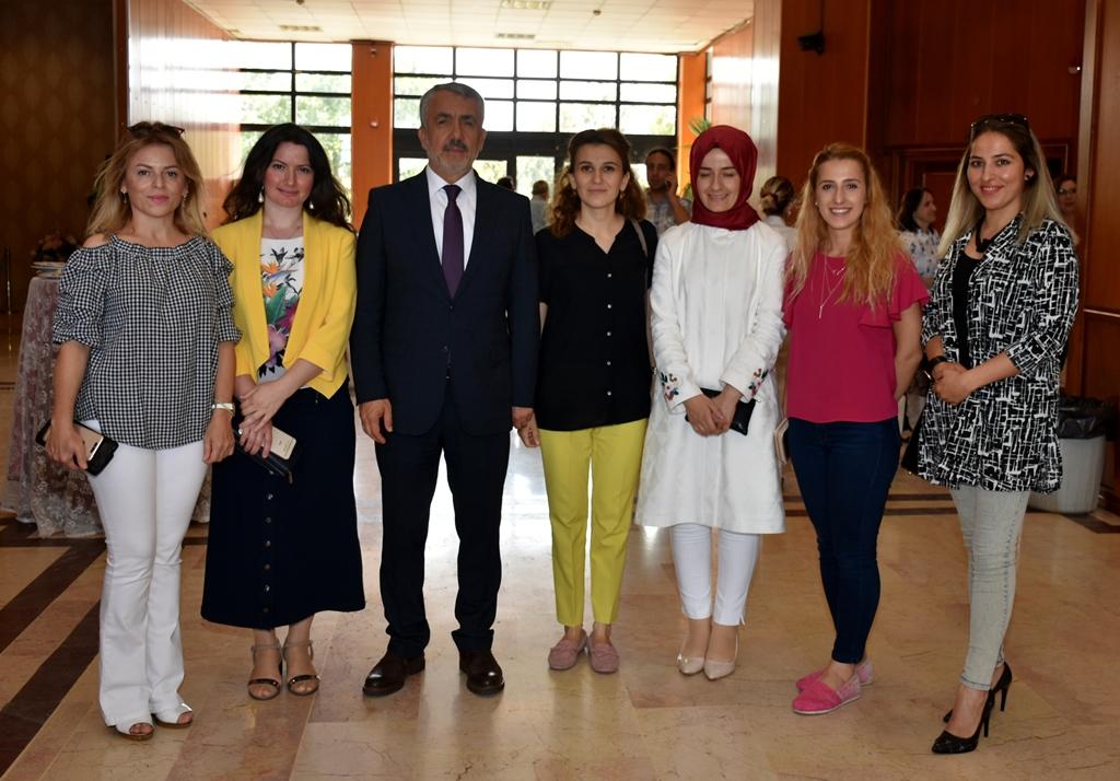 http://www.omu.edu.tr/sites/default/files/files/omu_ailesi_bayramlasmada_bir_araya_geldi/dsc_5592.jpg