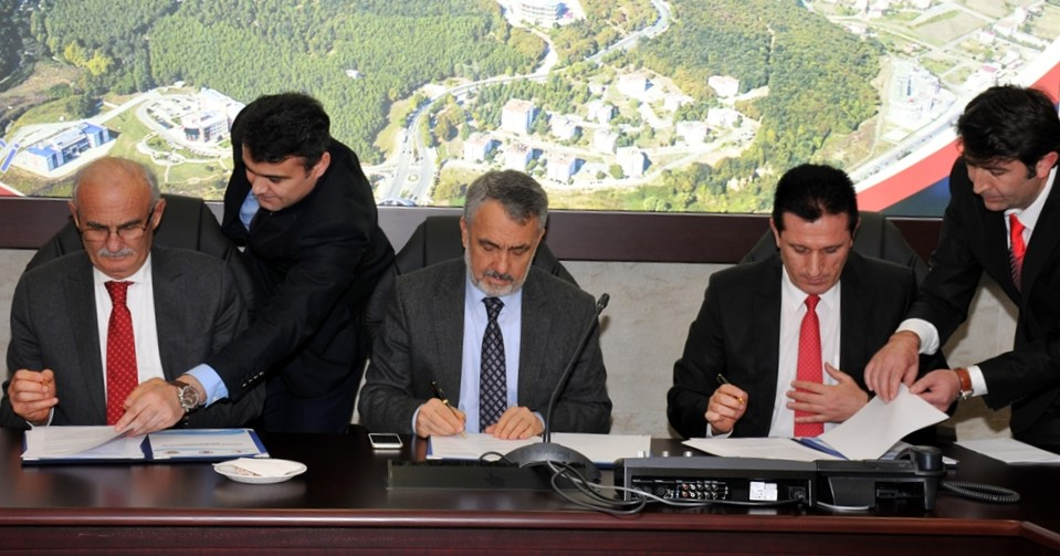 http://www.omu.edu.tr/sites/default/files/files/omu_turkiyede_bir_ilk_olan_ornek_projenin_mekani_oldu/dsc_0445.jpg