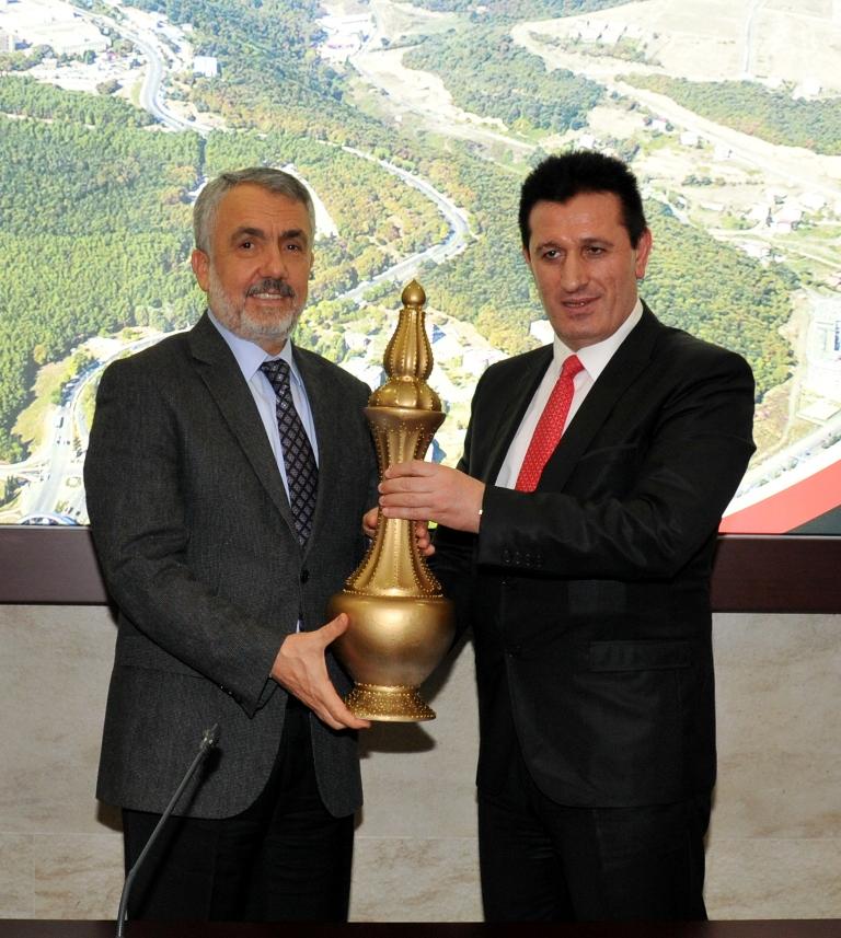 http://www.omu.edu.tr/sites/default/files/files/omu_turkiyede_bir_ilk_olan_ornek_projenin_mekani_oldu/dsc_0454.jpg