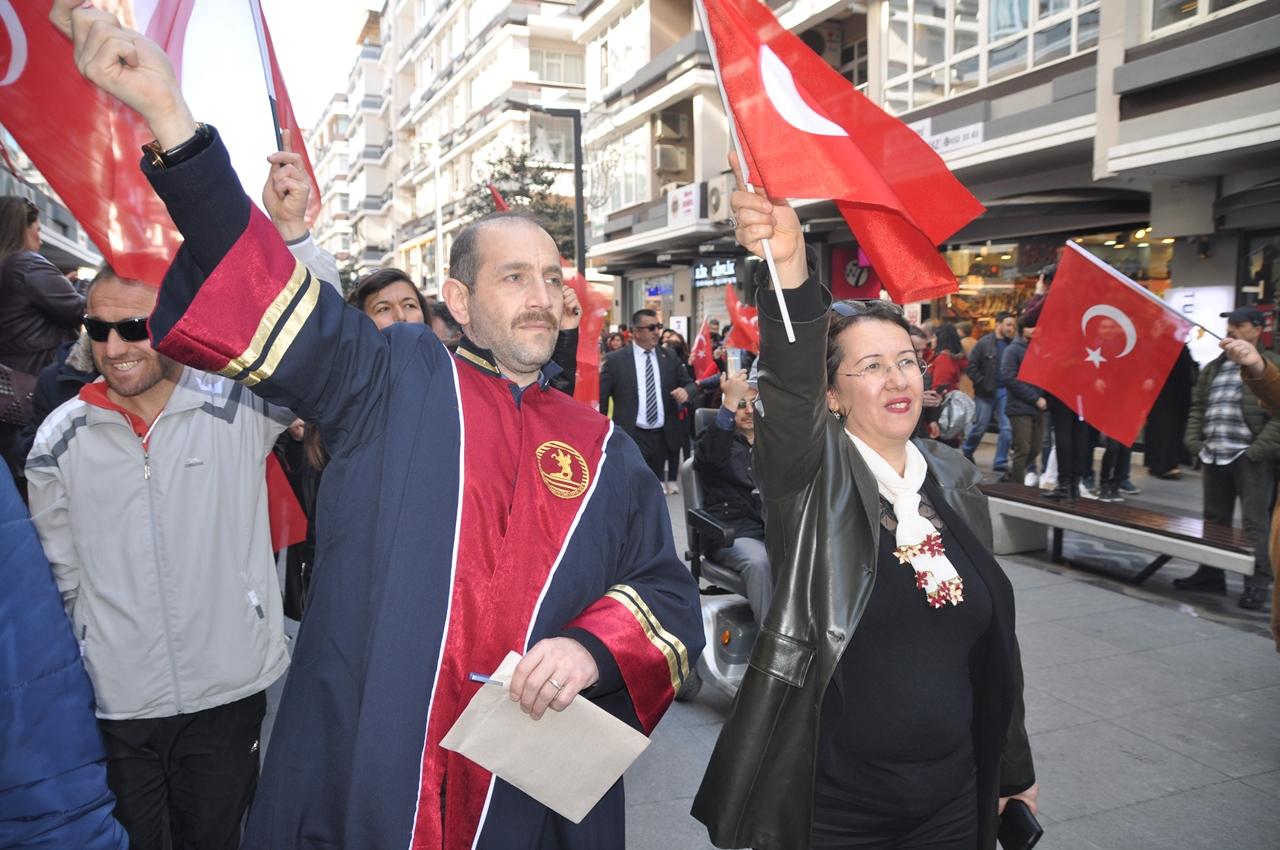 http://www.omu.edu.tr/sites/default/files/files/omu_ve_samsun_sehitlerimiz_icin_tek_yurek_oldu/dsc_0142.jpg