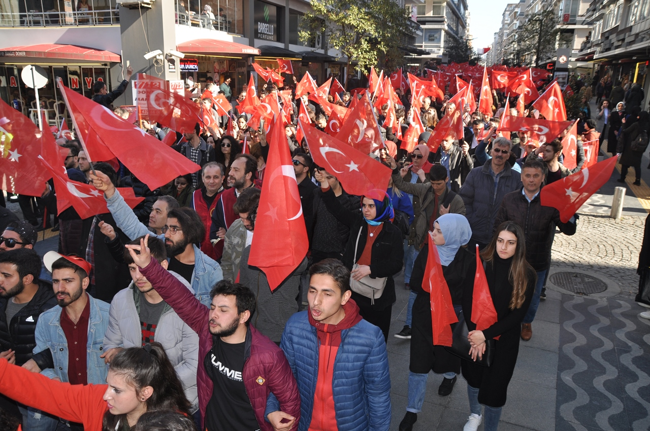 http://www.omu.edu.tr/sites/default/files/files/omu_ve_samsun_sehitlerimiz_icin_tek_yurek_oldu/dsc_0165.jpg