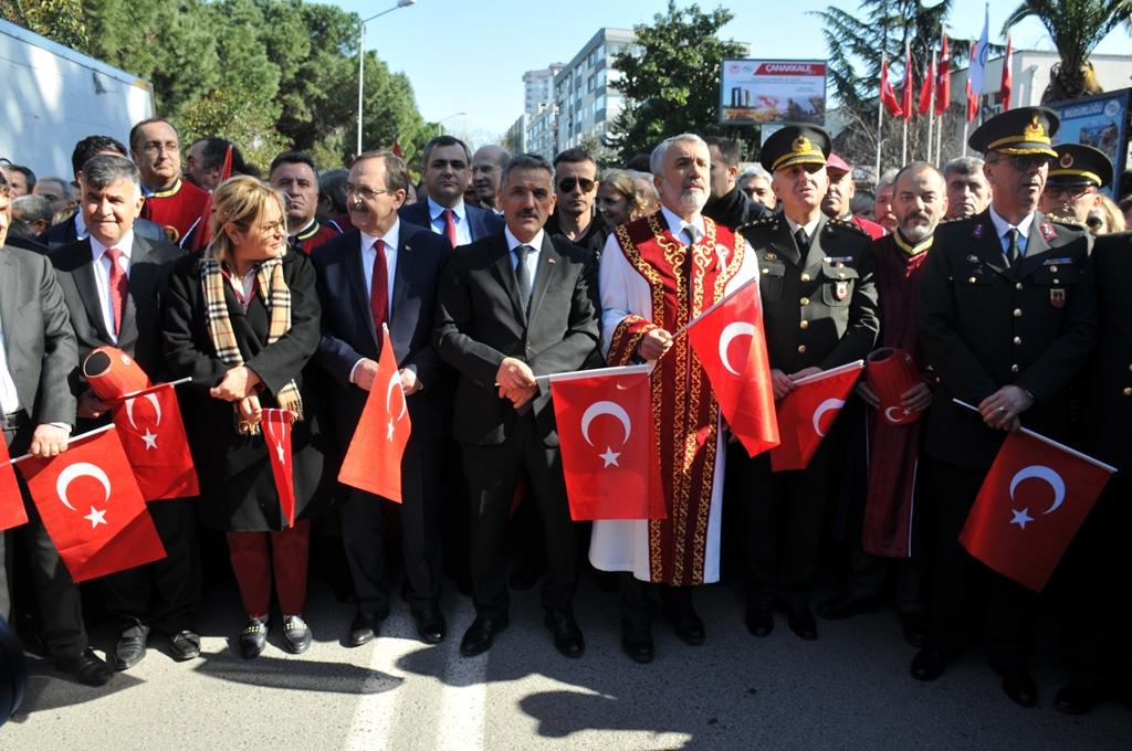 http://www.omu.edu.tr/sites/default/files/files/omu_ve_samsun_sehitlerimiz_icin_tek_yurek_oldu/dsc_0322.jpg