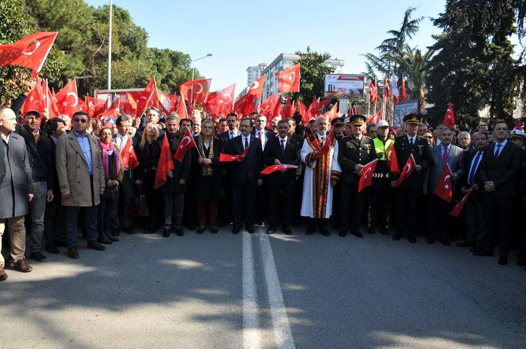 http://www.omu.edu.tr/sites/default/files/files/omu_ve_samsun_sehitlerimiz_icin_tek_yurek_oldu/dsc_0334.jpg