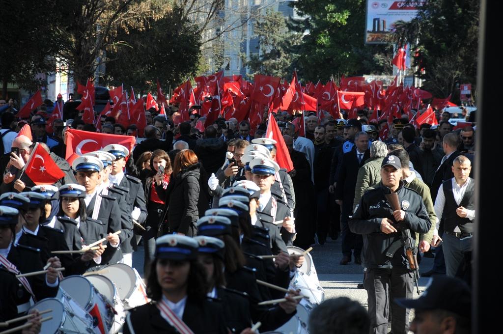 http://www.omu.edu.tr/sites/default/files/files/omu_ve_samsun_sehitlerimiz_icin_tek_yurek_oldu/dsc_0349.jpg
